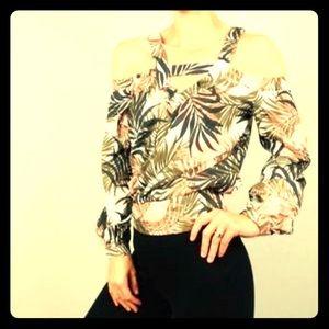 NWT Cold Shoulder Vacation Shirt Size L